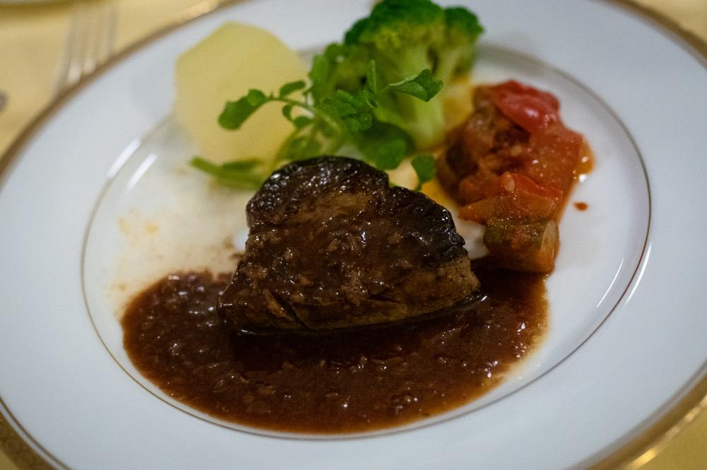 霧降高原の牛フィレ肉のステーキ