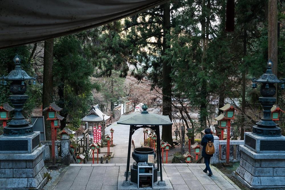 【栃木市 出流山満願寺(いづるさんまんがんじ)歴史】勝道さん、ハタチのときにここの洞窟にこもる