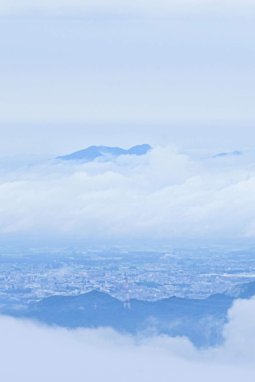 【霧降高原 キスゲ平ニッコウキスゲ】雨はチャンス