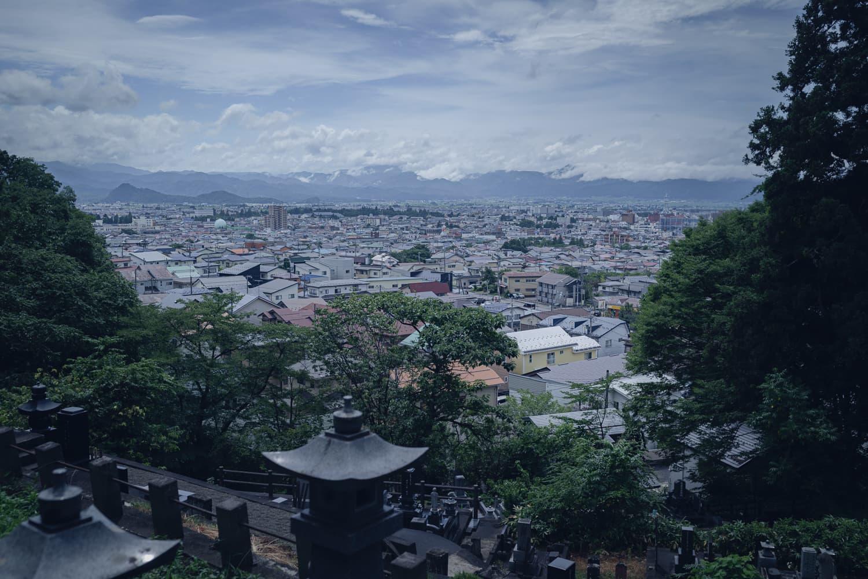 【白虎隊自刃の地】鶴ヶ城が見えるか